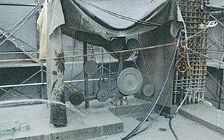 ダイヤモンド工法 切断機/油圧ユニット/ダイヤモンドワイヤー ワイヤーソーによるスラブのカット