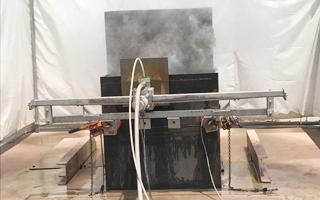 超高圧水ウォータージェット 鉄部切断