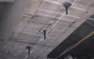 あと施工アンカー工事、14.施工後、梁底面のアンカーボルト設置完了