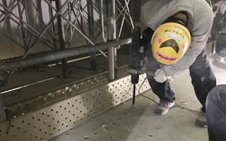 あと施工アンカー工事、5.ドリル削孔状況